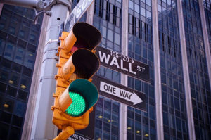 преимущества биржевого инвестиционного фонда